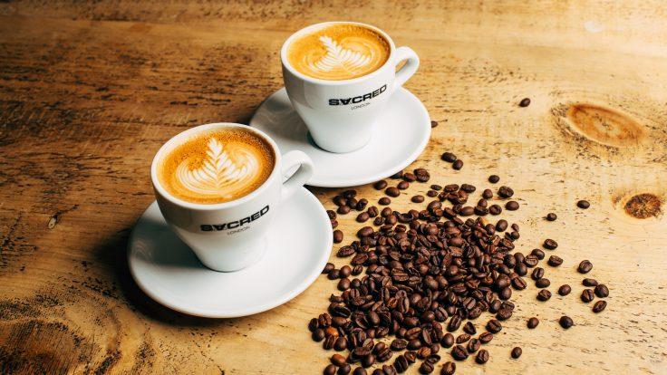 Có phải người Việt chưa biết uống cà phê?